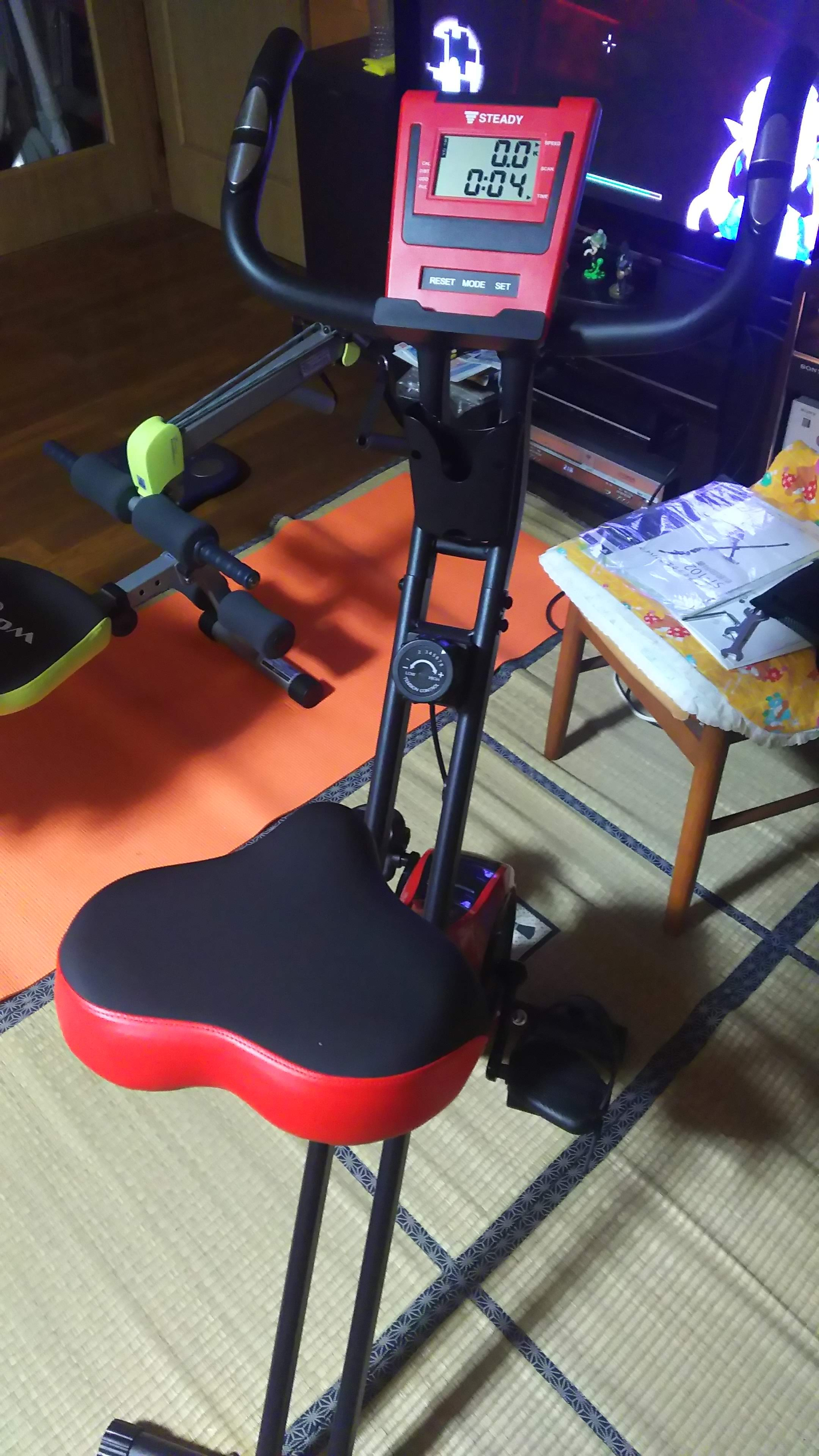 エアロバイクで有酸素運動 / Aerobic exercise on exercise bike